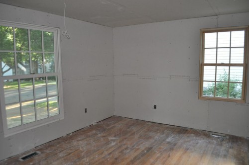 Downstairs Bedroom - Sheetrock (3)