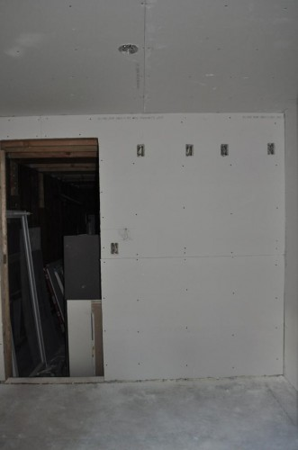 Mudroom - Sheetrock (3)