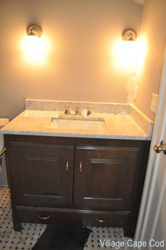 Downstairs Bathroom - Vanity