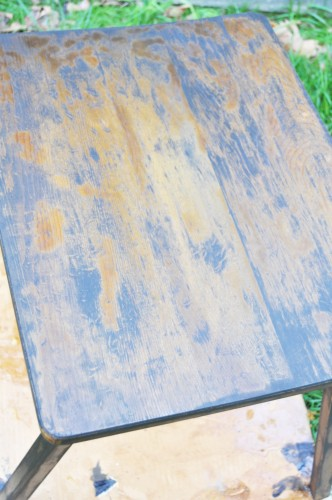 Stain Table